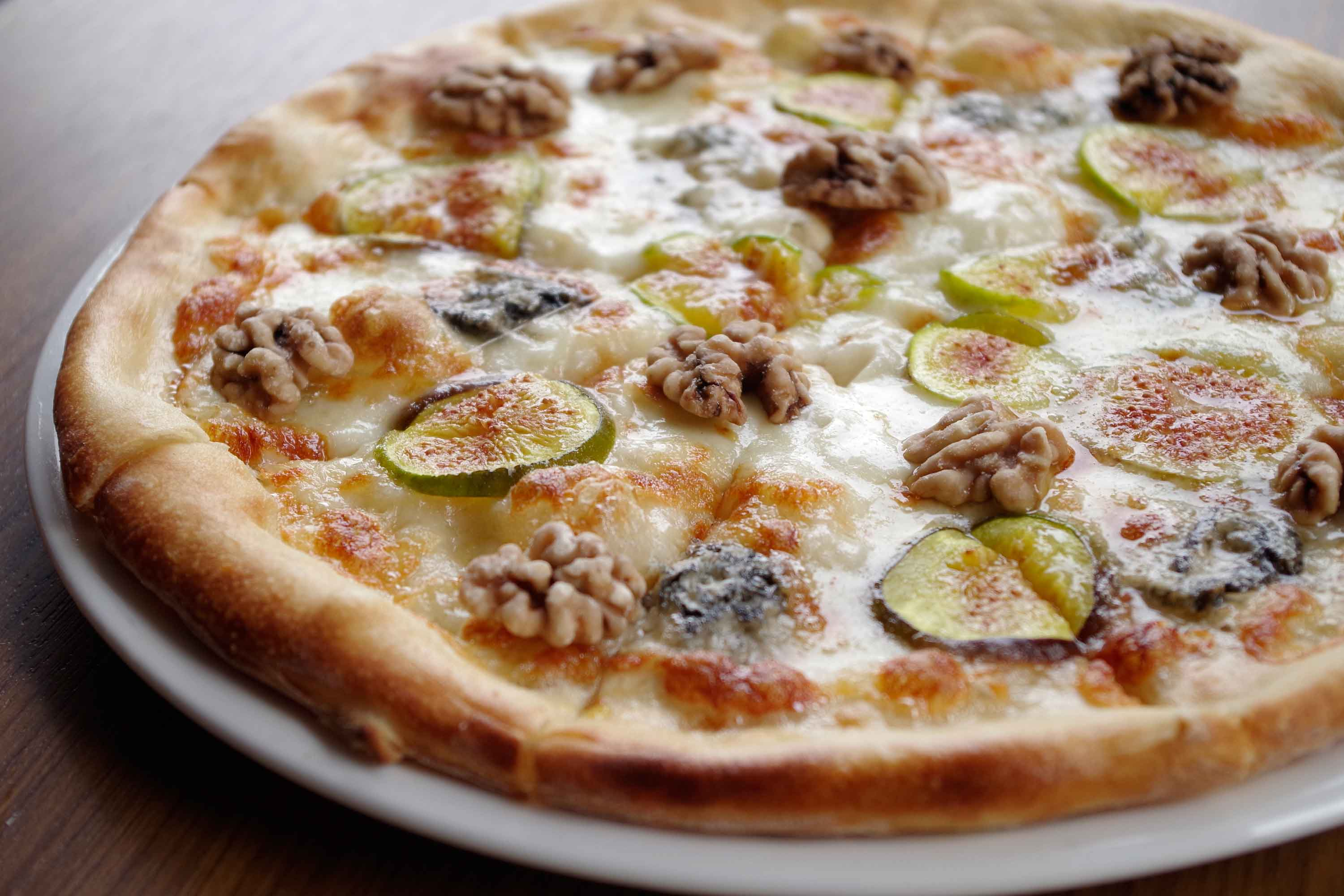 DiVino Patio - Pizza figs and walnuts