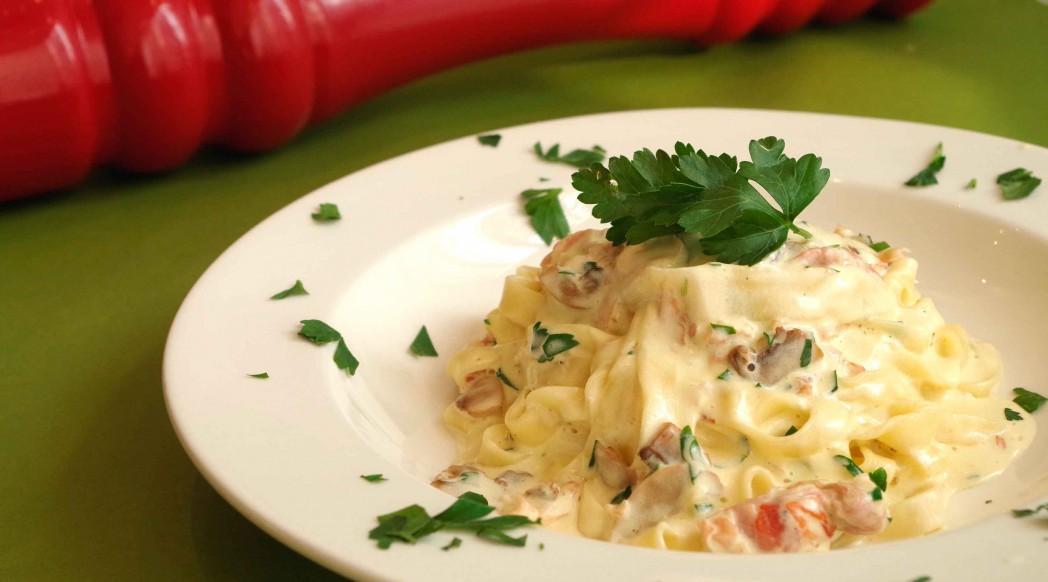 Carpaccio - Tagliatelle montanara - Homemade egg noodles tossedwith speck ham, mushrooms and a cream sauce