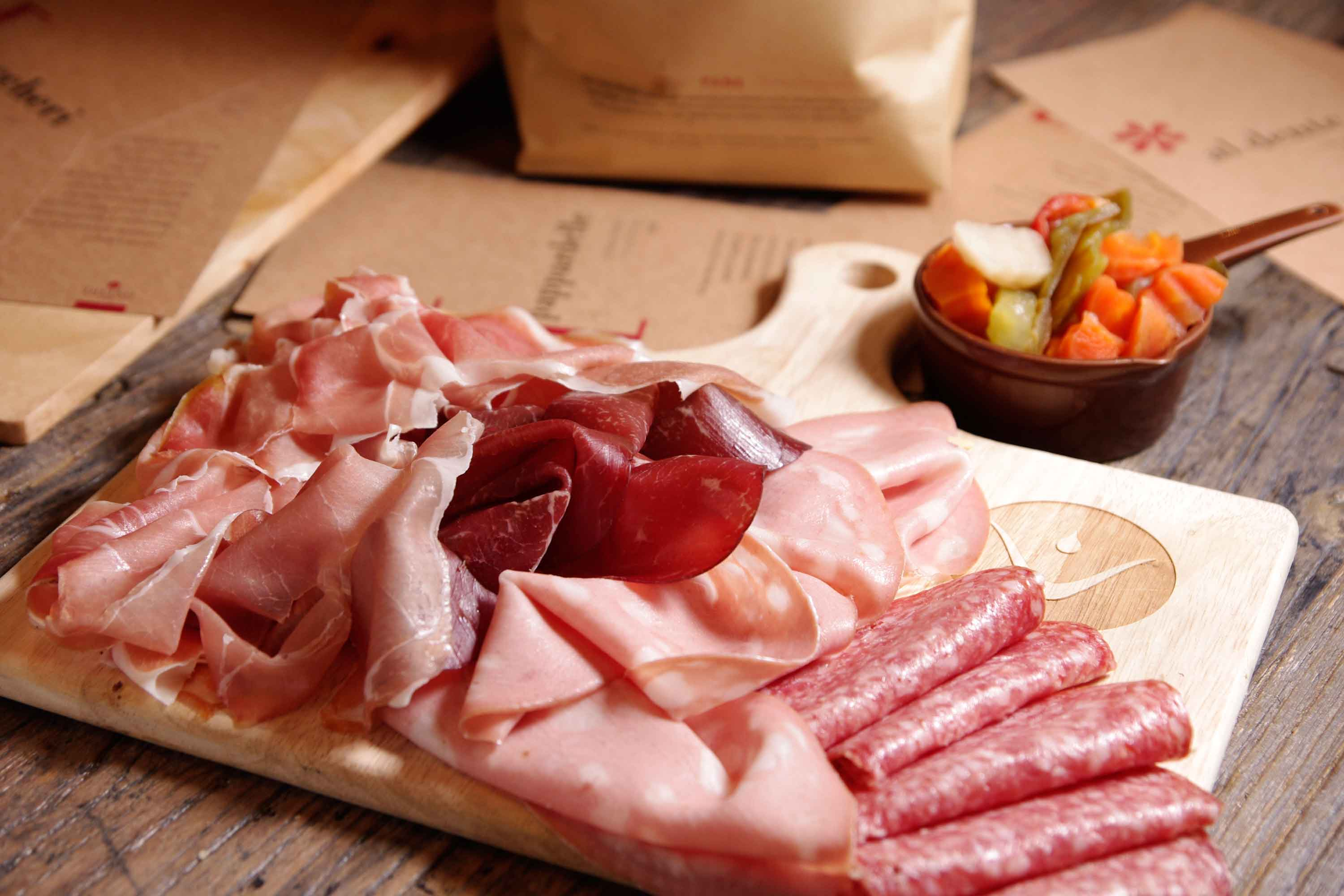 DiVino Patio - 5 types of cold cuts with giardiniera