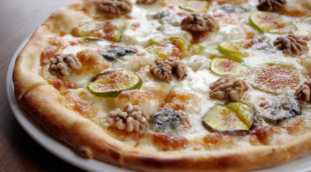 DiVino Patio - Pizza figs and walnuts