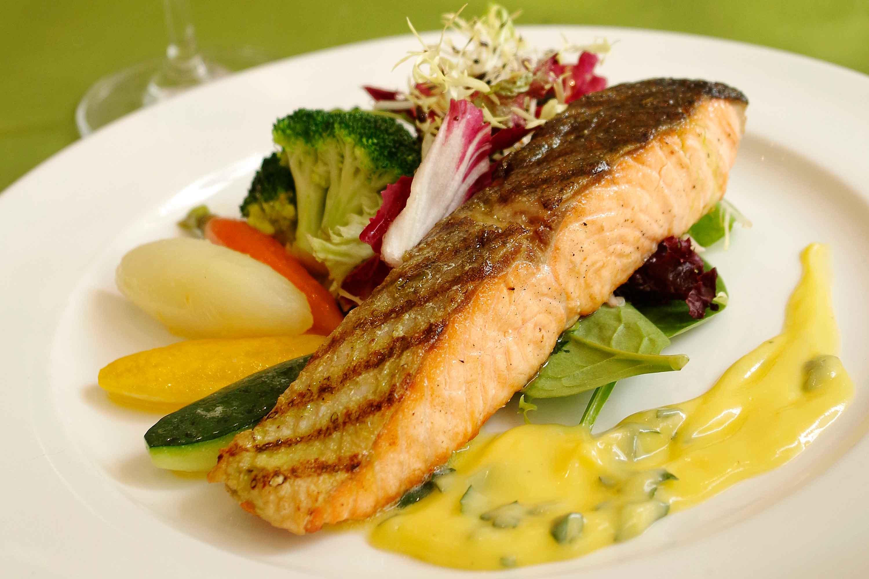 Carpaccio - Salmone - Grilled Tasmanian salmon with a lemon butter sauce, garden vegetables amd potatoes