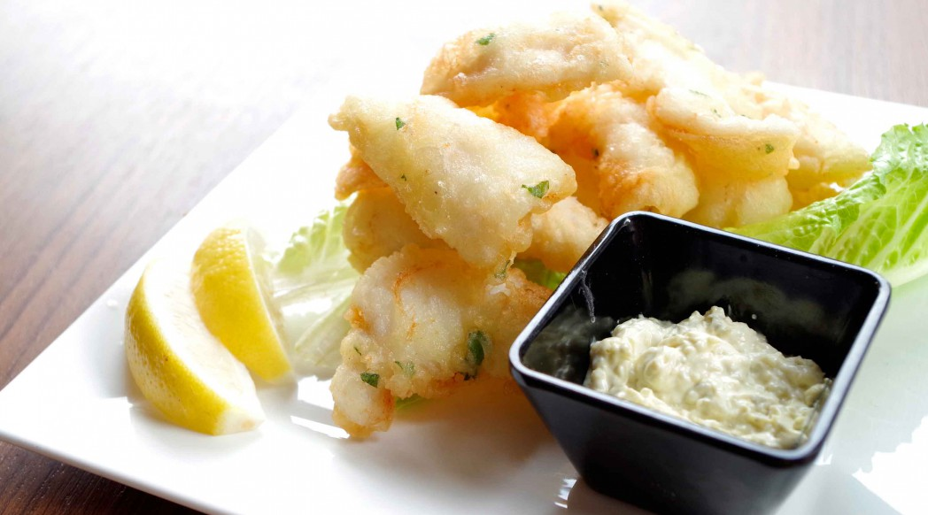 DiVino Patio - Deep-fried calamari with tartar sauce