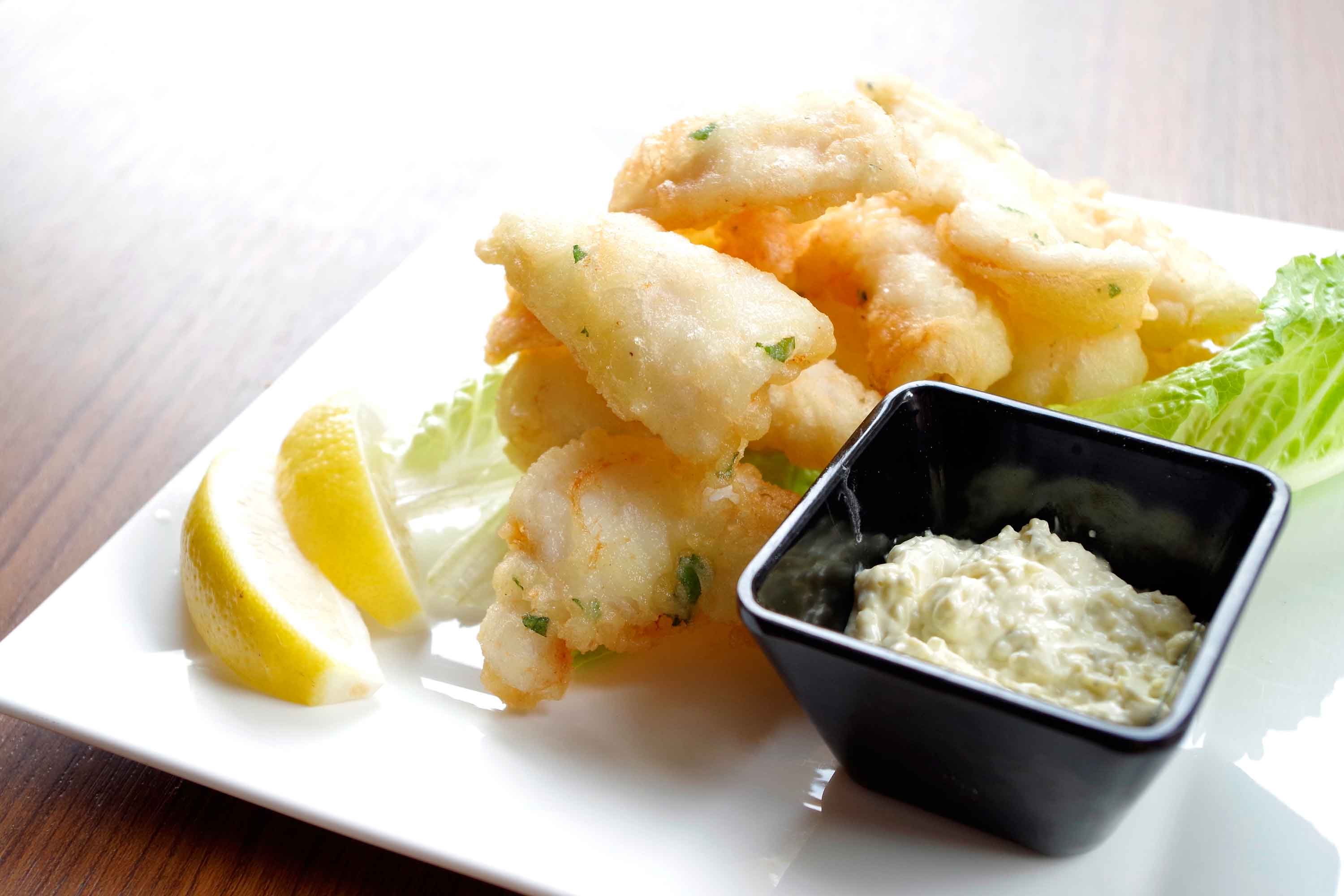 DiVino Patio - Deep-fried calamari with tartar sauce