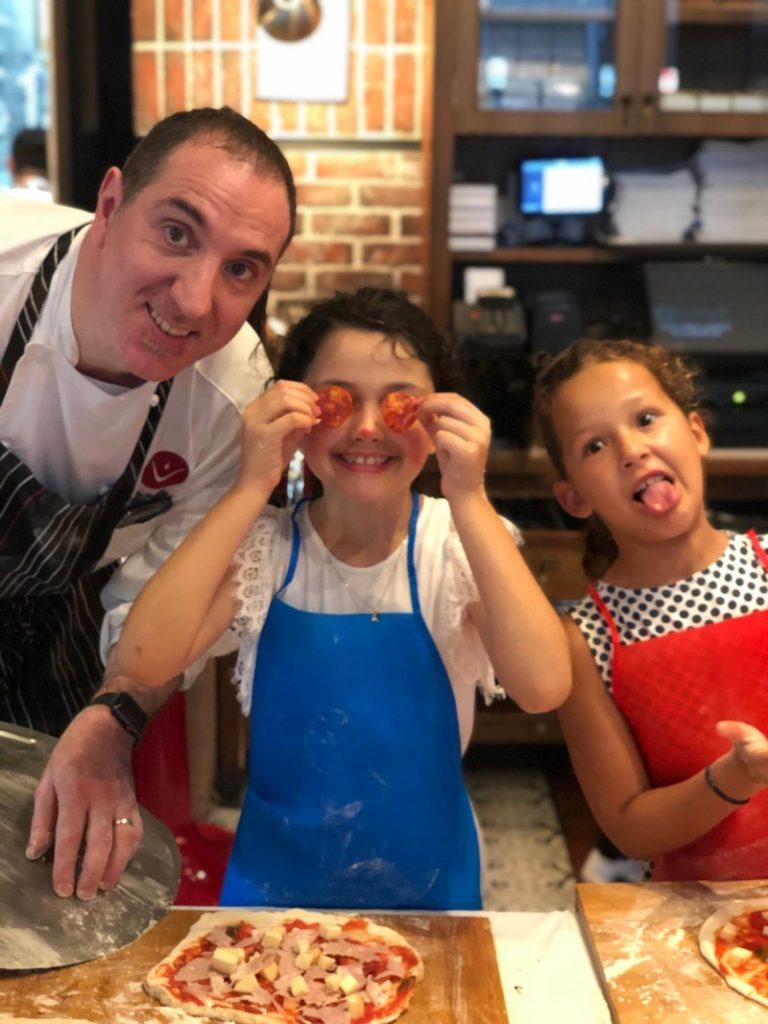 Kids Make Pizza at DiVino Patio Hong Kong Pizzeria and Restaurant 10