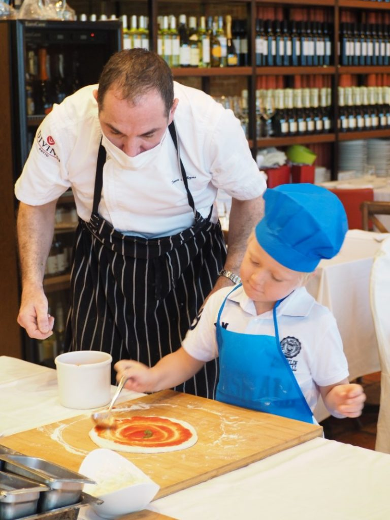 Kids Make Pizza at DiVino Patio Hong Kong Pizzeria and Restaurant 2