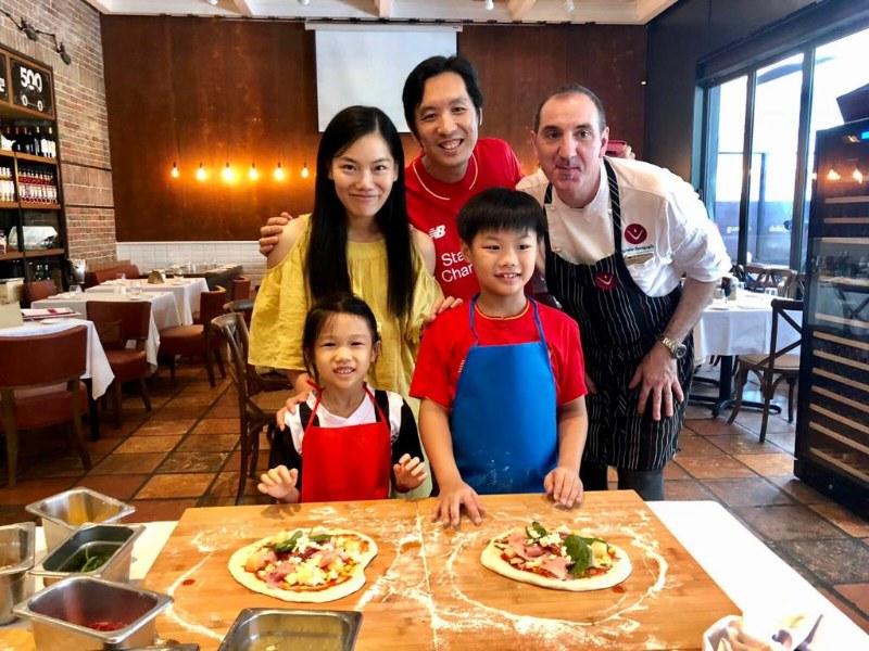 Kids Make Pizza at DiVino Patio Hong Kong Pizzeria and Restaurant 8